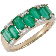 Tw Emerald & Diamond Ring