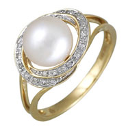 Fresh Water Pearl Diamond Yellow Gold Ring