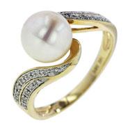 14K Yellow Gold Pearl & Diamond Ring