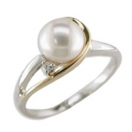 14K Two Tone Cultured Pearl & Diamond Ring