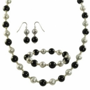 """/7.5"""" Ear Sterling Silver Dyed Grey Freshwater Pearl & Black Onyx Set 18"""" Necklace"""