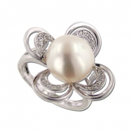 Pearl With Diamond Ring