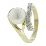 Fresh Water Pearl Diamond Ring