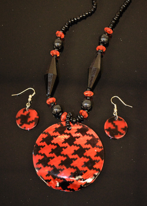Black and Red Mother of Pearl Necklace and Earrings Set. Price: $9.95