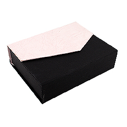 Black-Pink Combination Ring, Earrings, and Pendant Box