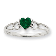 14K White Gold May Emerald Birthstone Ring