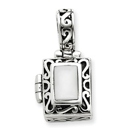 Sterling Silver Antiqued Cat's Eye Locket. Price: $50.07