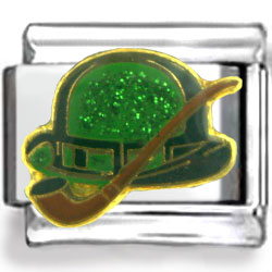 Irishman Hat and Pipe Enamel Charm